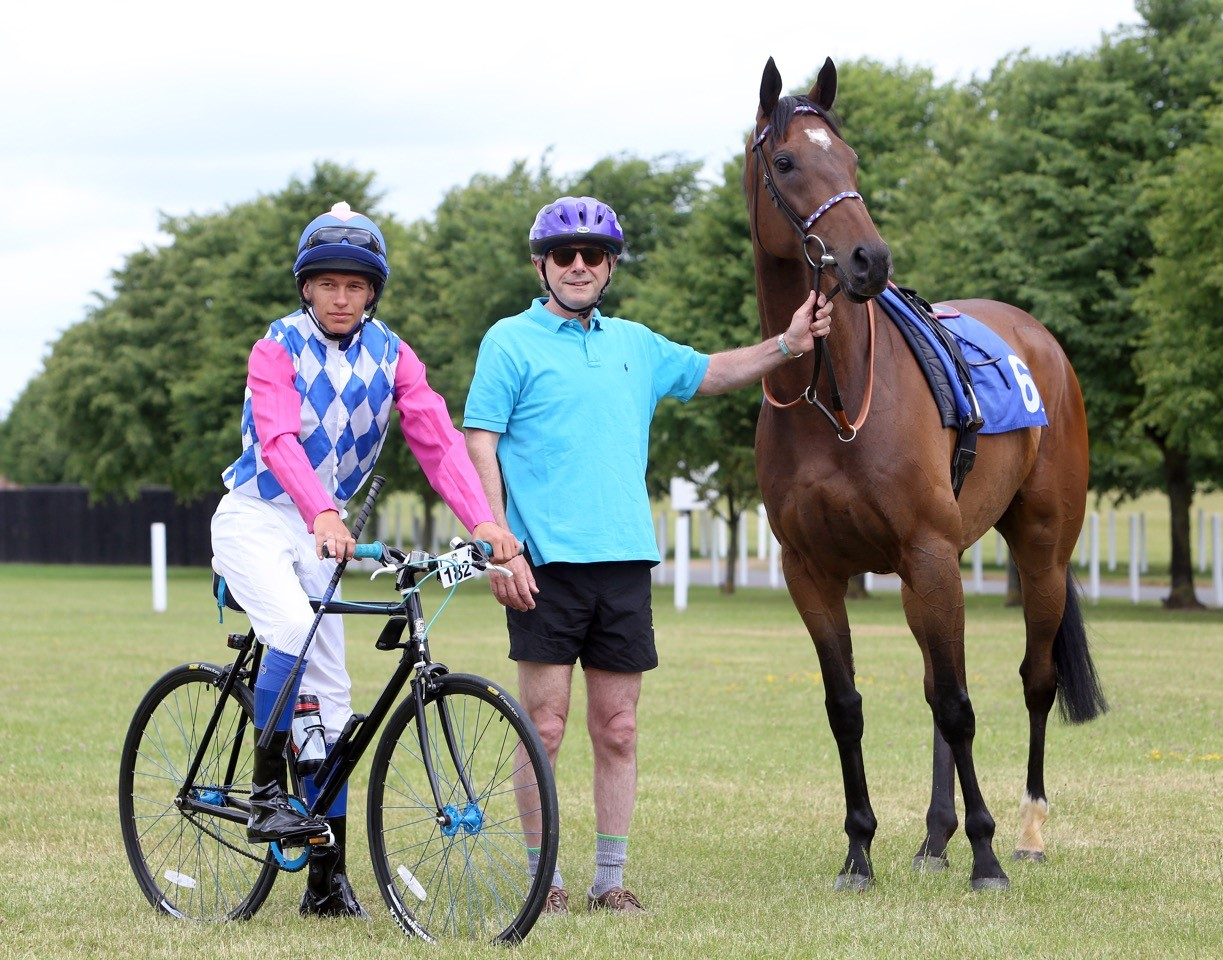 Newmarket swaps saddles to celebrate the OVO Energy Tour of Britain coming to Suffolk